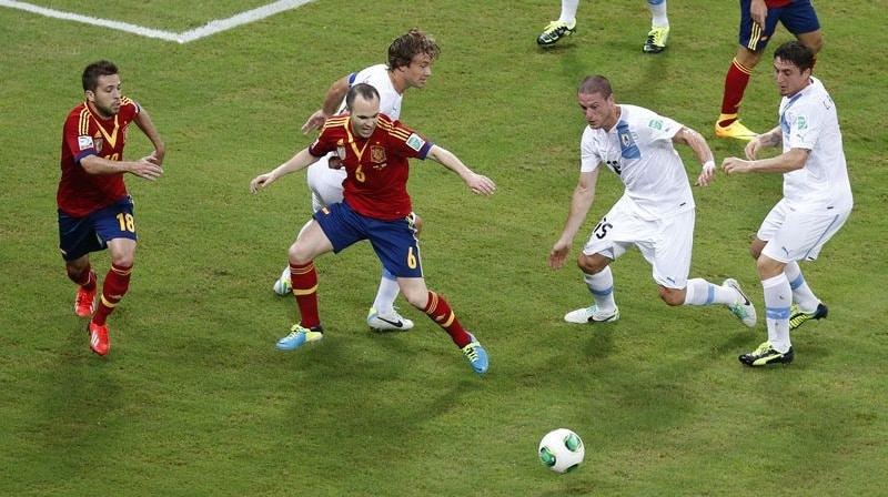 Spanielsko-Uruguaj_417002